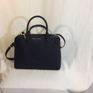 Michael Kors Cindy LG Dome Satchel NWT Black